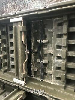Pelican Hardigg US Military Weapons Shipping Storage 12 Rifle Gun Hard Case Rack